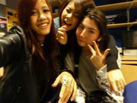 2 Girls who have made me smile since the start of Uni. :)